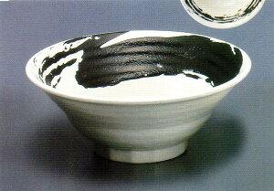 【美濃焼】 人気ラーメン店が選ぶ器味噌ラーメン用はこいつに決まり白地黒刷毛流六兵衛7寸麺鉢店名 ロゴマークの名入れ対応できます