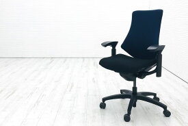 イトーキ エフチェア 2019年製 クッション 可動肘 ブラック ネイビーブルー 事務椅子 ITOKI 中古オフィス家具 KG-130GS-T1T1B2