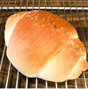 塩 ロール パン フランス産 ゲランド塩 使用 スイス産 発酵バター 配合 無添加 保存料 不使用 朝食 ランチ ディナー おやつ ギフト プレゼント 手土産 お土産 おいしい おすすめ しっとり た