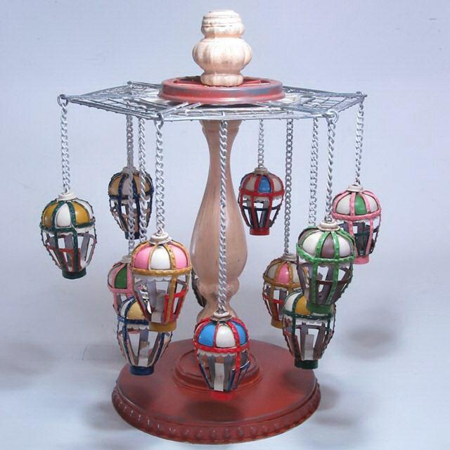 【大感謝価格】ブリキのおもちゃ merry-go-round 27625