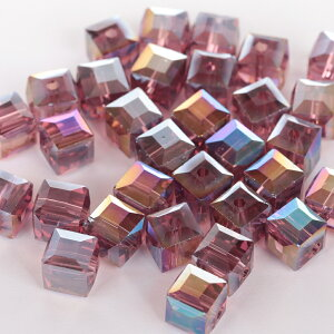 ABクリスタル キューブ 高級 ガラスビーズ 8mm 30個 紫 プラムカラー アクセサリー ハンドメイド パーツ 【パールクリエイト】 素材 材料 イヤリング ブレス ピアス 手芸用品