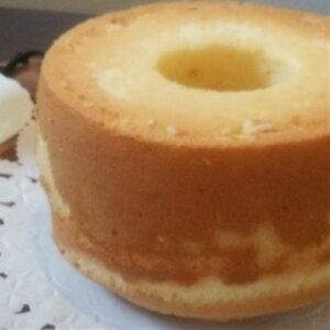 【送料無料】ふわっふわのシフォンケーキ 18cm 内祝い プチギフト 手土産 誕生日 スイーツ 国産小麦