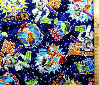 <Qキャラクター・キルティング生地>トイストーリー(紺)#31・ディズニー ( 2018 -2019 )【キルティング】【キルト】【キャラクター】【キルティング生地】【布】【入園】【入学】 クラフトシリーズ