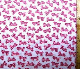 キャラクター アメリカ 輸入 生地 バービー( ロゴ柄 オフ地にピンク ) 柄番号3シーチング ( 綿100% ) 生地幅−約108cm USAコットン 直輸入 ( バービー Barbie )