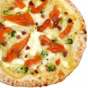 冷凍ピザ『信州サーモンのカルボナーラピッツァ』 お試しピザセットと同梱で送料無料!石窯薪木で焼きあげるピザ職人手作りの石窯ナポリピッツァです!宅配ピザよりピザ通販![ピザ pizza 冷凍]