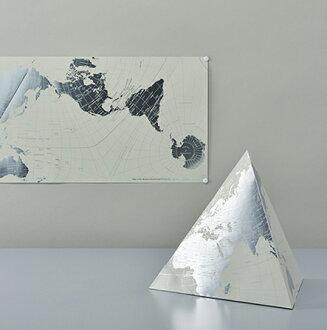 """是PLATINUM AuthaGraph WORLD MAP""""our planet on tetra and on rectangle[白金]osagurafu世界地圖三角形地球儀和四方的地圖面積把正確的osagurafu作圖法極力使用的世界地圖。"""