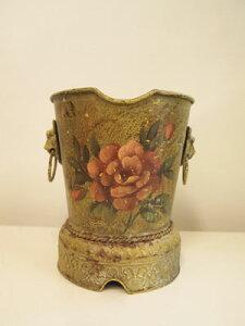 アンティーク フラワーデザインのアイアンプランター(鉢・花器)