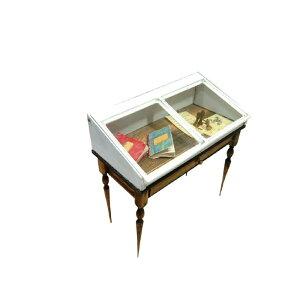 More fun 手作りキット 展示ケースがついているテーブル L-004