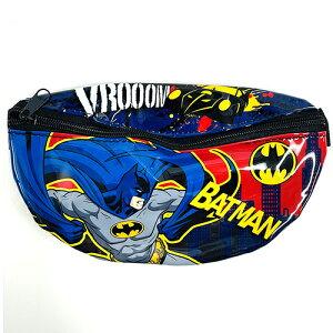 バットマン キッズ用 ウエストポーチ ( 背景レッド ) 15282 ポシェット ボディバッグ ウエストバッグ 男の子 BOY アメコミ キャラクター DCコミック ヒーロー ダークヒーロー かっこいい 小さい