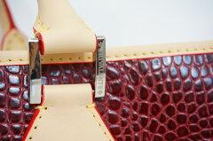 本革イタリア製TRIVALENTEACCAMALIB(トリバレンテアッカマリブ)bordeauxボルドー赤エンジビジネスバッグゴルフバッグbagアルチェカーフ仔牛革ヌメ革型押しショルダートート2way総レザー旅行出張大容量ミラノItary