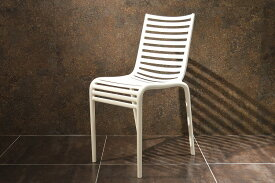 【driade pip-e sedia white】 driade ドリアデ 椅子 イス チェア イタリア製 アウトドア PIP-e sedia 白 ホワイト バルコニー 輸入家具 屋内 屋外 フィリップ・スタルク Philippe Starck 10P03Sep16