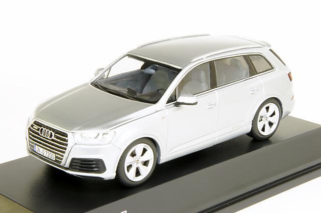 ミニカー 1/43 アウディ特注/スパーク Audi/Spark(5011407613) アウディ Q7 2015年 フルーレシルバー