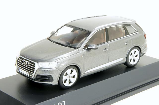 ミニカー 1/43 アウディ特注/スパーク Audi/Spark(5011407633) アウディ Q7 2015年 グラファイトグレー