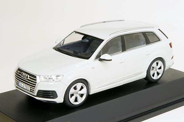 ミニカー 1/43 アウディ特注/スパーク Audi/Spark(5011407623) アウディ Q7 2015年 グレッチャーホワイト