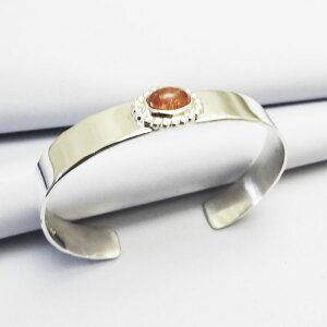 サンストーンシルバーバングルブレスレット一点ものパウワウRT銀細工師メタルワーク手作り
