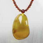 琥珀(アンバー)のネックレス[A4701]【大粒ミャンマー産天然琥珀】【ペンダント・ネックレス】琥珀・アンバー・こはく|メンズ・レディース|ネックレスに|パワーストーン・天然石琥珀|