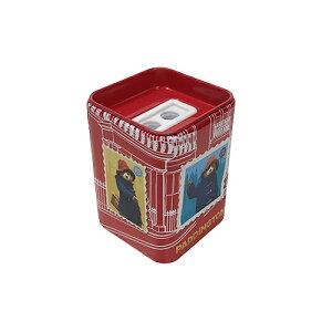 パディントン 缶 えんぴつ削り レッド 13995a 鉛筆削り ステーショナリー 文具 ミニえんぴつ削り くま クマ アニマル キャラクター グッズ 景品 プチギフト バザー 赤 RED メール便不可