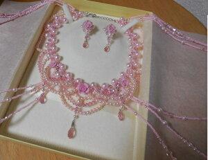 ピンクパールと薔薇のショルダーネックレスセット・手作り・ビーズ・王冠・結婚・ブライダル・ドレス・マリッジリング