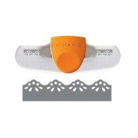 【クーポンあり】Fiskars(フィスカース) ボーダーパンチ デイジー 110430 本体に紙を差し入れ、ボタンを指で押すだけで簡単にパンチ☆