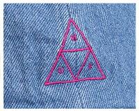 HUFハフFORMLESSDENIMTRIPLETRIANGLEデニム素材にピンクのトライアングルロゴアジャスタ搭載スナップバックキャップ(CAP)メンズ【HUF-HT00202IND】