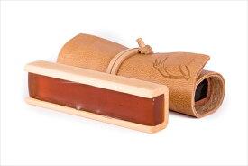 [Leatherwood Bespoke Rosin] レザーウッド ベスポーク松脂 オーストラリアの手作り松脂 プロ演奏家も絶賛中 天然の巻き革と天然木ケースを使った最高級品