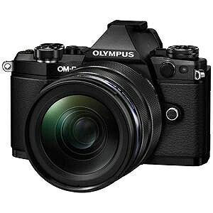 オリンパス ミラーレス一眼カメラ OM−D E−M5 Mark II「12−40mm F2.8 レンズキット」 OMDEM5MARK2・1240M(ブラック(送料無料)