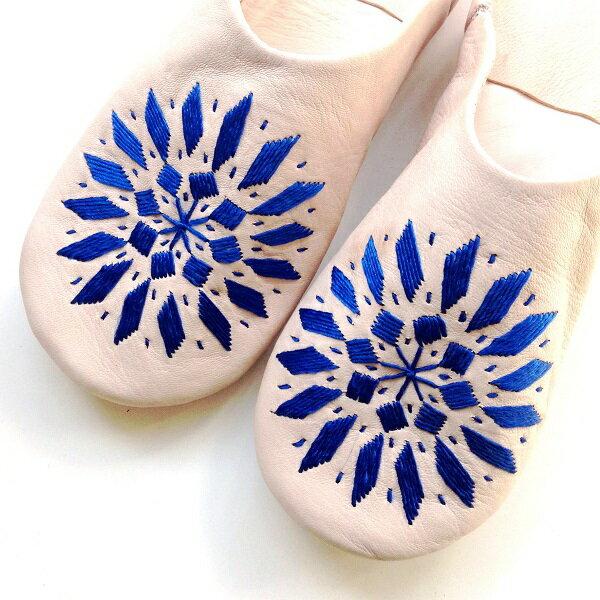 モロッコ スリッパ バブーシュ 刺繍 ナチュラル ブルー 室内履き スリッパ ルームシューズ 靴 かわいい 可愛い おしゃれ 女性 手作り モロッコ雑貨 母の日 ギフト プレゼント