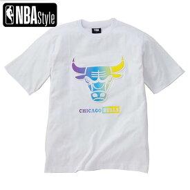 【NBA Style 2021 SS】 Chicago Bulls グラデーションアートワークロゴ ルーズフィット Tシャツ / シカゴ・ブルズ