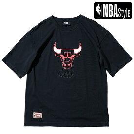 【NBA Style 2021 SS】 Hardwood Classics Chicago Bulls ビッグロゴ ルーズフィットTシャツ / シカゴ・ブルズ