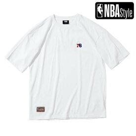 【NBA Style 2021 SS】 Hardwood Classics Philadelphia 76ers スモールロゴ ルーズフィットTシャツ / フィラデルフィア・セブンティシクサーズ