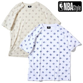 【最大650円OFFクーポン】【NBA Style 2021 SS】 NBAロゴ オールオーバープリント ルーズフィット Tシャツ / ホワイト ベージュ