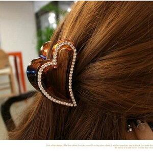 バンスクリップ 可愛いハート形のヘアクリップ(2色)ヘアアレンジ 美人髪 髪留め 髪止め 飾り成人式 結婚式 髪飾り 卒業式 二次会 パーティー 七五三
