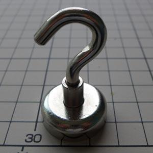超強力マグネットフック直径25mm耐荷重3kgまでネオジム磁石を使った磁石屋のマグネットフック!!いろいろな物がかけられます。カバン●鍵束●袋●ほうき●非常持出袋●キッチン用具