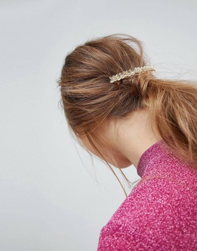エイソス レディース ヘアアクセサリー アクセサリー ASOS Leaf Back Hair Clip Gold