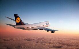 絵画風 壁紙ポスター (はがせるシール式) ルフトハンザドイツ航空 LH ボーイング 747-8IC インターコンチネンタル ジャンボジェット 2012年運用開始 Deutsche Lufthansa AG BOEING キャラクロ B747-018W1 (ワイド版 921mm×576mm) 建築用壁紙+耐候性塗料 インテリア