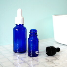 スポイトキャップが付いた遮光瓶。遮光瓶(スポイトキャップセット)青色 10ml(精油 フレグランスオイル 香水 エッセンシャルオイル クラフト用)