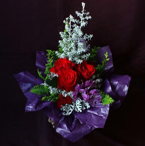 【送料無料】そのまま飾れる花束 クリスマス シルバーツリースタンドブーケ クリスマスプレゼント 花 プレゼント フラワーギフト 誕生日 プレゼント 女性 母 女友達 彼女 バラ