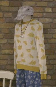『merlot』おいしそうな黄色い?スイカ〜フルーツ柄長袖ニットトップス(イエローマスタード)(春・秋) レディース トップス 女性 長袖 プルオーバー 果物 からし色 すいか  【merlot(メルロー)