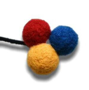 羊毛フェルトボールの三色 ヘアゴム ビタミンカラー レッド×ブルー×イエロー 31 【 ヘアアクセサリー 上品 カジュアル 大人っぽい ギフト 誕生日 プレゼント おしゃれ おうち ポイント消