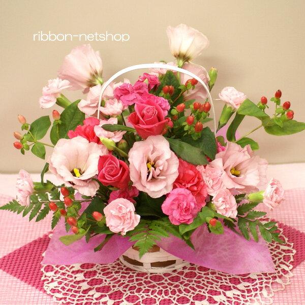 【8月限定】【送料無料】誕生日に贈る♪トルコキキョウと季節のお花のフラワーアレンジメント(生花)FL-8GT-4【楽ギフ_包装】【楽ギフ_メッセ入力】