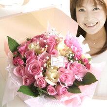 薔薇で作るフラワーケーキゴージャス7号イチゴミルクお祝いに!【アレンジメント】