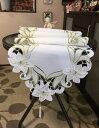 百合の花 カットワーク刺繍 テーブルランナー40X180cm ホワイト地にグリーン 新入荷#116