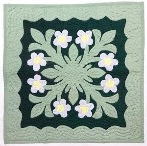 ハワイアンキルトタペストリー/壁掛け(ホワイトプルメリア・マルチカラー)