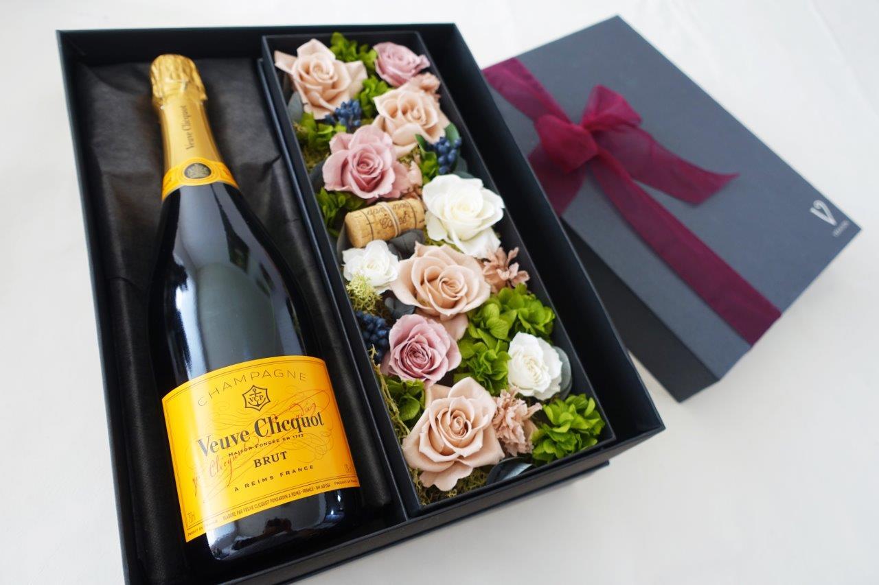 【ヴーヴ クリコ イエローラベル ブリュット 750ml】【ピンクベージュ プリザーブドフラワー】シャンパン・ワイン ギフト・花・フラワー・プレゼント・贈り物・記念日・結婚祝い・プレゼント・母の日・還暦祝い・お中元