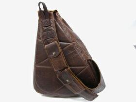 チュウにシルバーブランドでレザーバッグもセレブ達に人気のクロムハーツなどインパクトある革鞄なら、