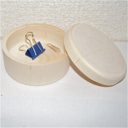 白木の円形小箱直径9cm高さ4.9cm深さ3.4cm【マトリョーシカ】おもしろい形の白木材料