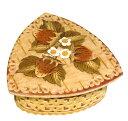 白樺の樹皮 ロシア工芸品「ベレスタ」イチゴのトライアングル小箱〜清らかないちご模様直径8cm 深さ4cm