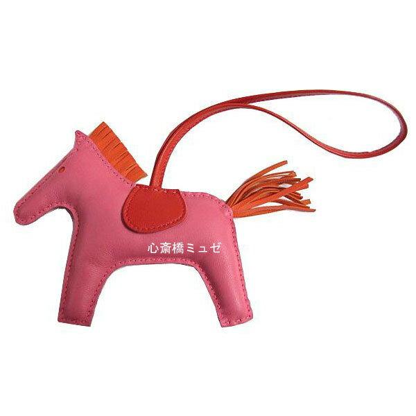 ≪新品≫ エルメス ロデオ 「GRIGRI RODEO」 馬 革 チャーム MM ローズアザレ×オレンジポピー 箱リボンのラッピング