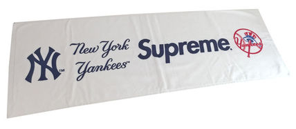 新品 アメリカ購入 シュプリーム Supreme × NY Yankees ヤンキース タオル 白 ステッカー・袋付き