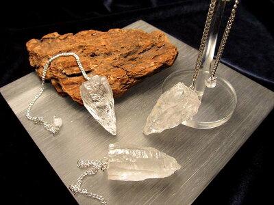 ◆デンバー展示会商品◆ナチュラル感抜群!◆ヒマラヤ水晶使用◆ロッククリスタル◆◆ヒマラヤ水晶ラフカットペンデュラム◆縦約25-35mm◆
